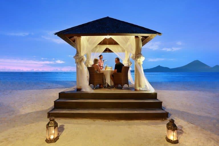 Gili Trawangan diner romantique plage bungalow voyage iles Gili Indonésie Lombok