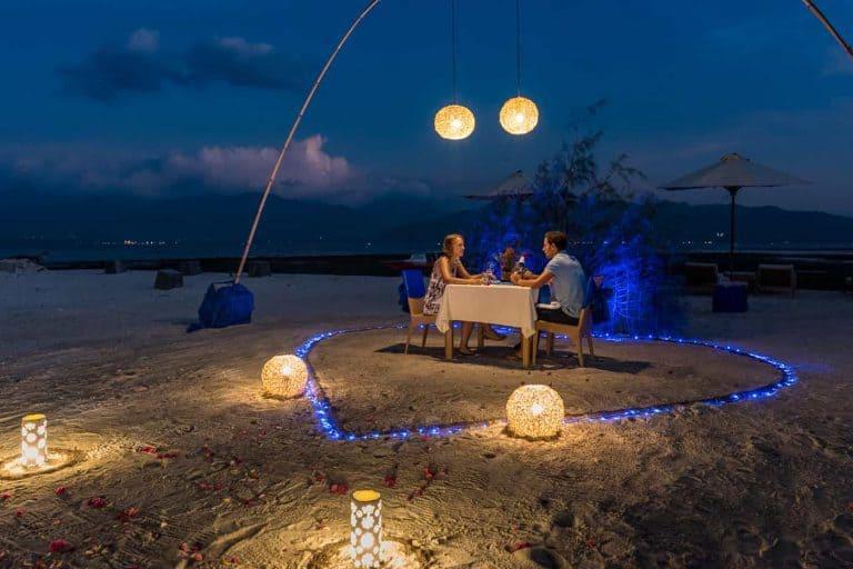 Gili Trawangan diner romantique plage nuit voyage iles Gili Indonésie Lombok