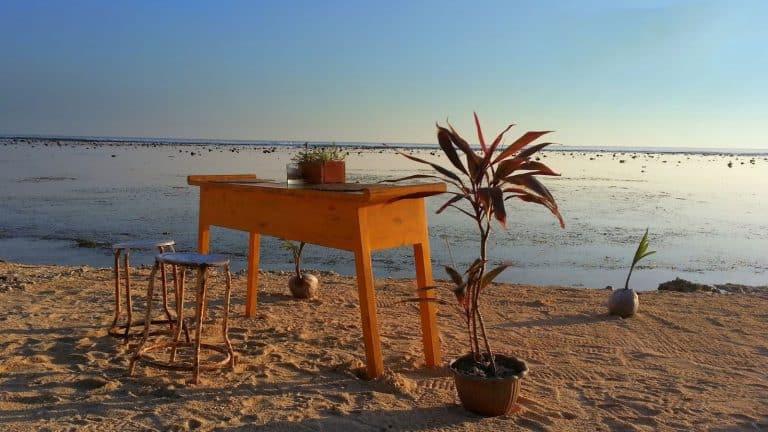 Gili Trawangan table coucher de soleil plage iles Gili Indonésie Lombok