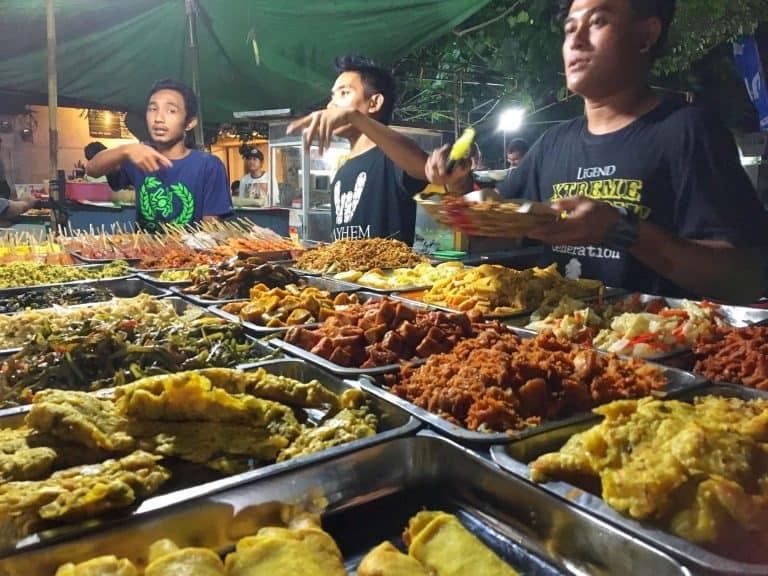 Gili Trawangan où manger nourriture locale restaurant marché de nuit iles Gili Indonésie Lombok