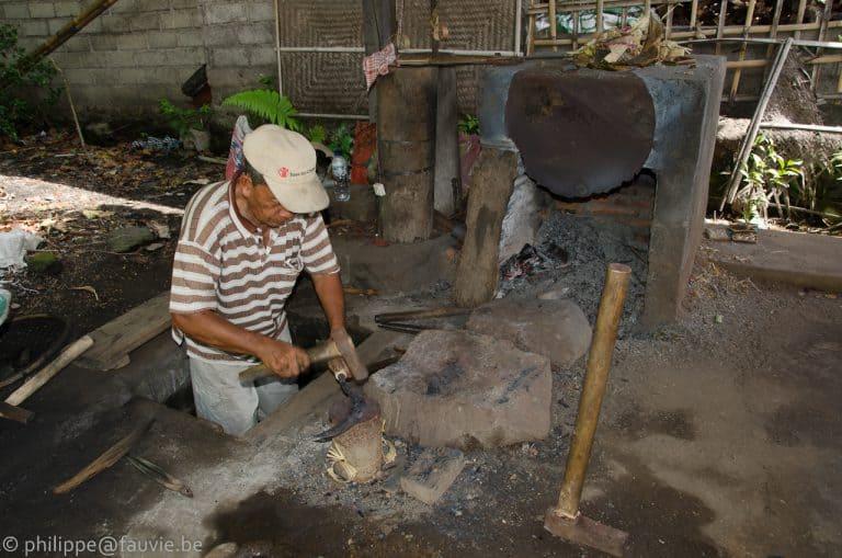 métier traditionnel indonésie bali