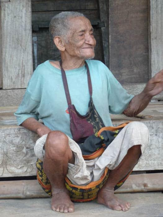 habitant flores villages bejawa indonesie
