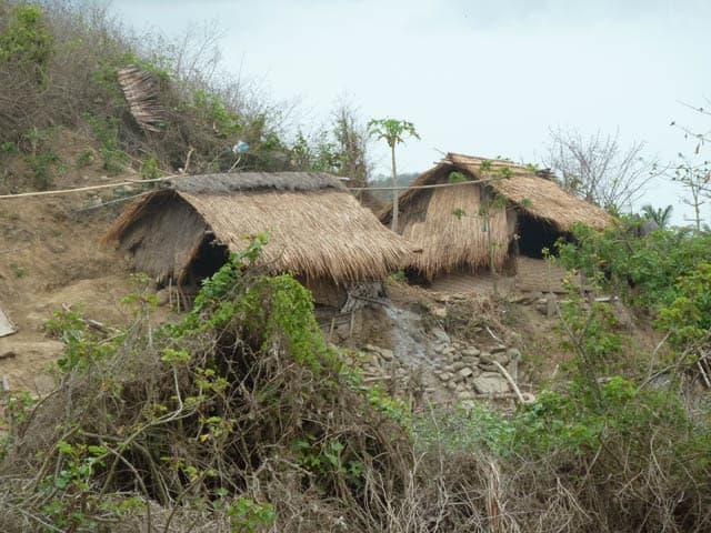 habitation traditionnelle lombok indonesie montagne