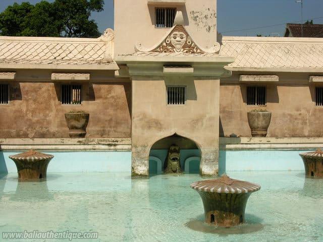 harem sultan jogyakarta fontaines