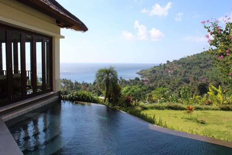 hotel bali amed vue piscine et falaises