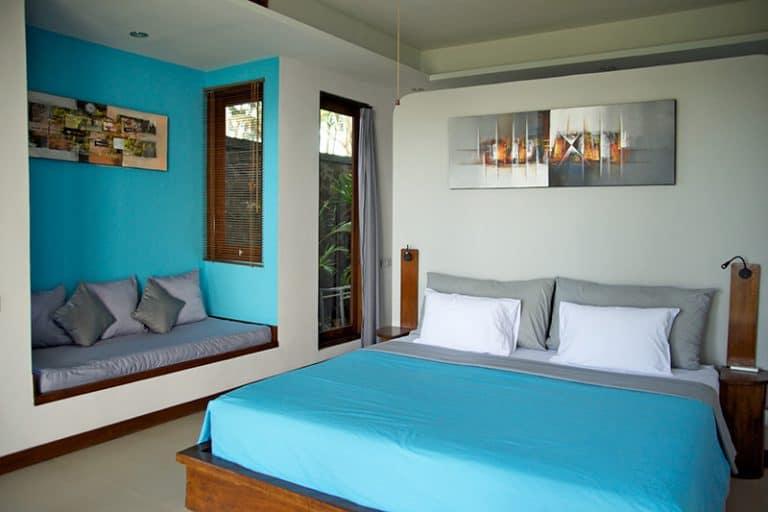hotel bali candidasa chambre double colorée