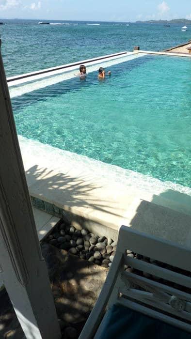 hotel bali candidasa piscine vue mer