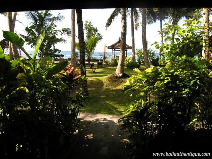 hotel bali candidasa plage bungalows