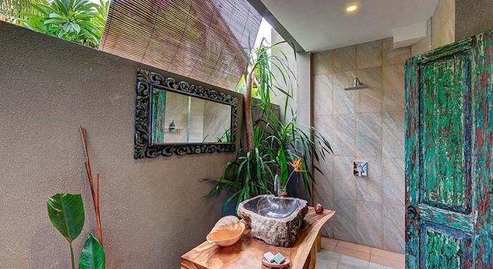 hotel bali candidasa salle de bain