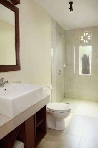 hotel bali kuta lombok salle de bain