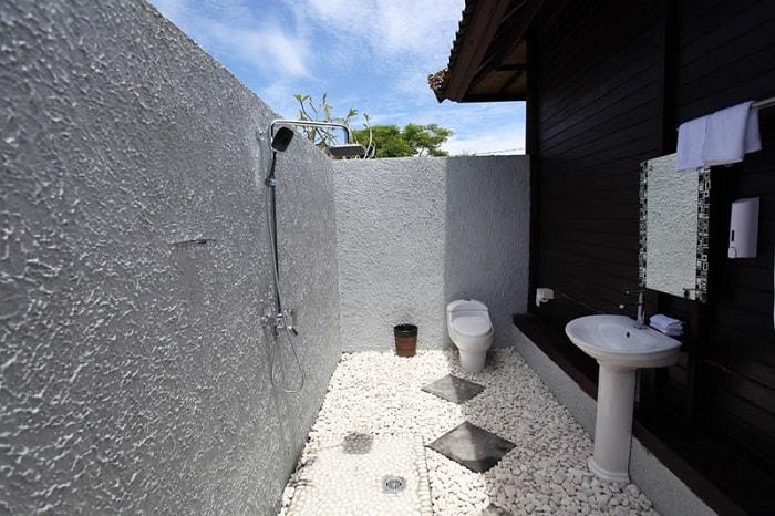 hotel bali lembongan salle de bain ouverte