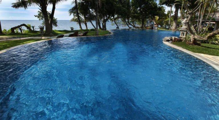 hotel bali lovina piscine