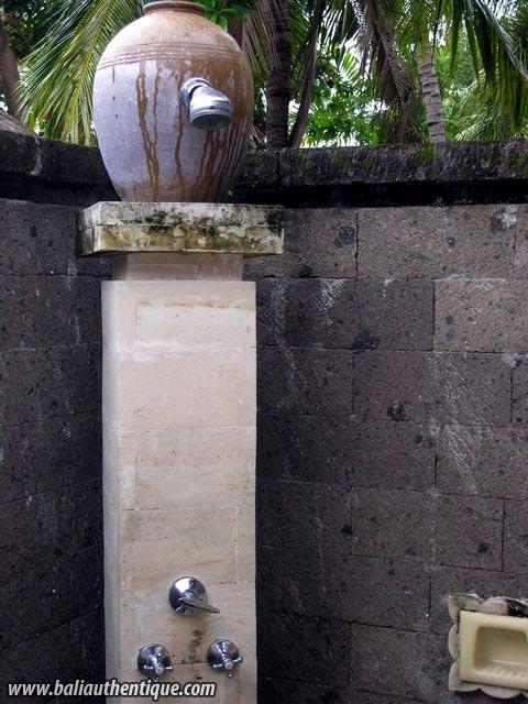 hotel bali lovina salle de bain dehors
