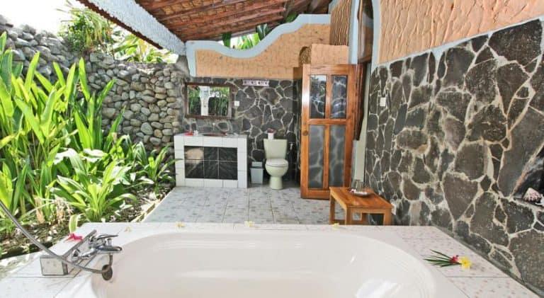 hotel bali lovina salle de bain