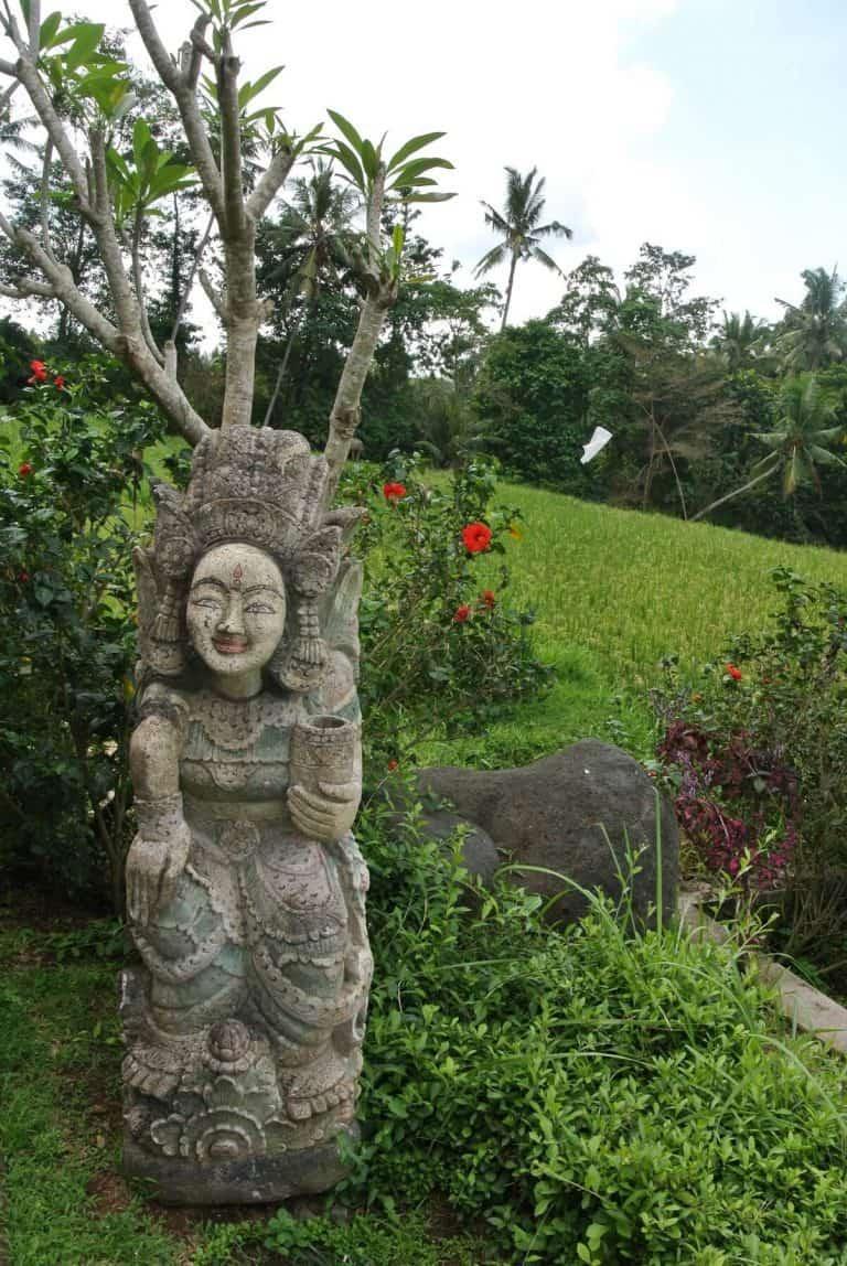 hotel Bali Mengwi statue