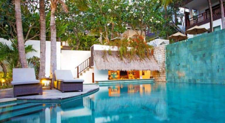 hotel bali nusa lembongan bar piscine