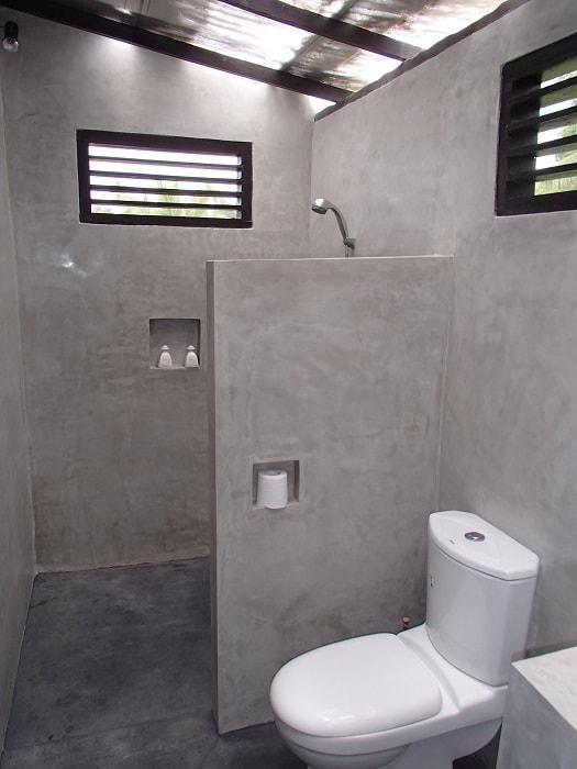 hotel bali nusa penida toilettes
