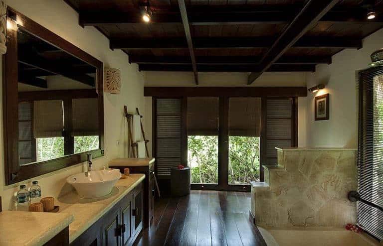hotel bali pemuteran salle de bain bungalow