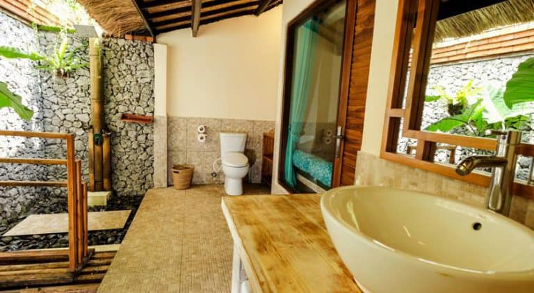 hotel bali pemuteran salle de bain extérieure