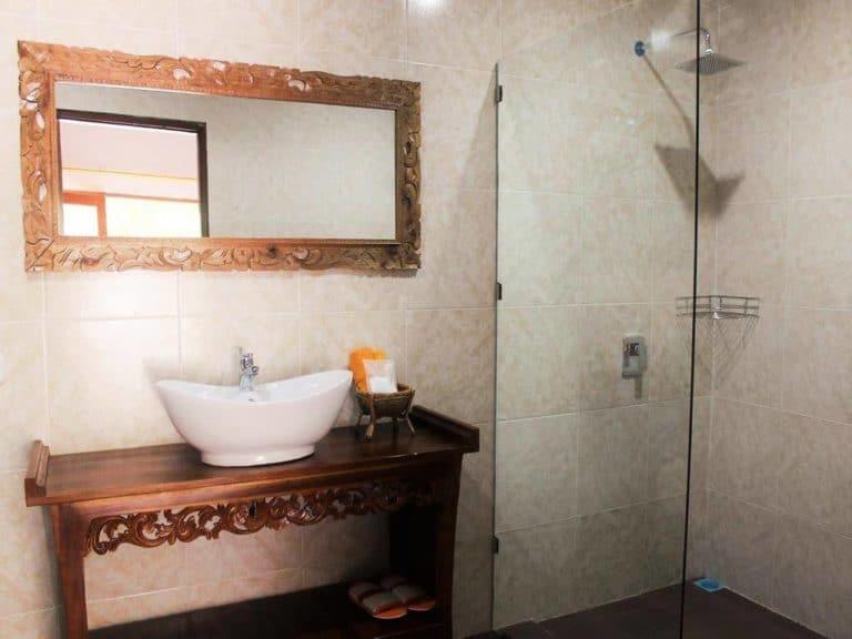 hotel bali penida salle de bains