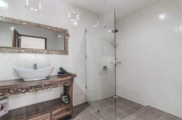 hotel bali penida toilettes