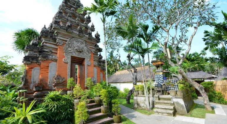 hotel bali uluwatu temple