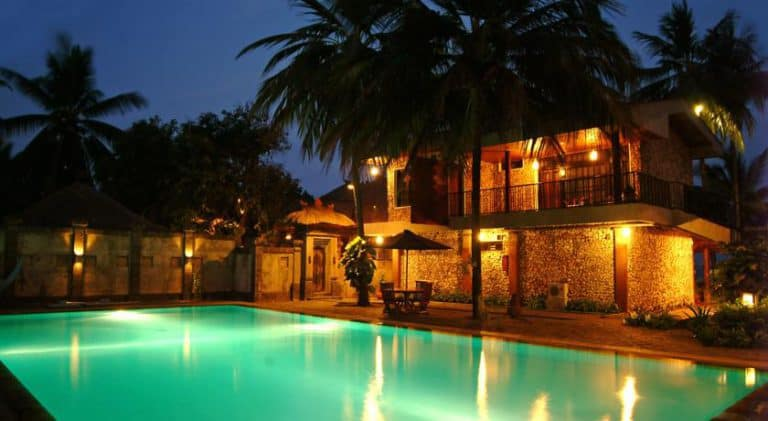 hotel banyuwangi indonésie piscine