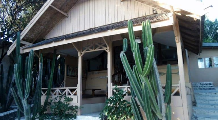 hotel bira sulawesi indonésie bungalow