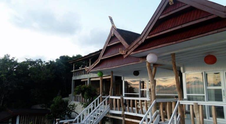 hotel bira sulawesi indonésie