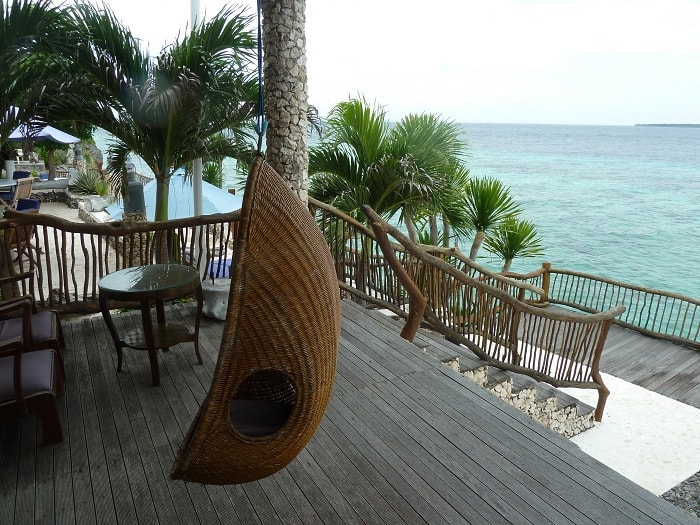 hotel bira sulawesi indonésie terrasse vue mer
