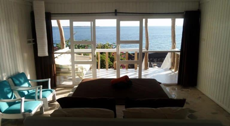 hotel bira sulawesi indonésie vue mer