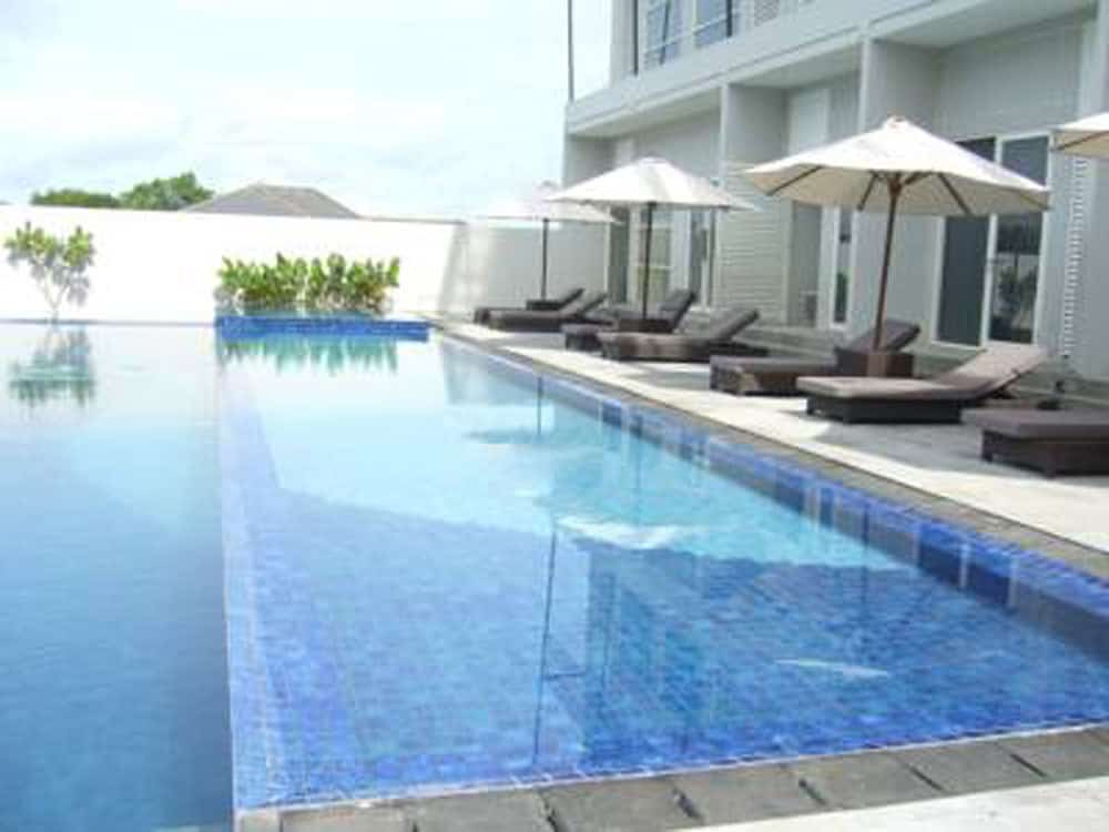 hotel bornéo grand kecubung piscine