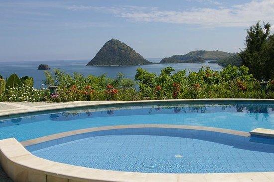 hotel Flores Labuan Bajo vue piscine