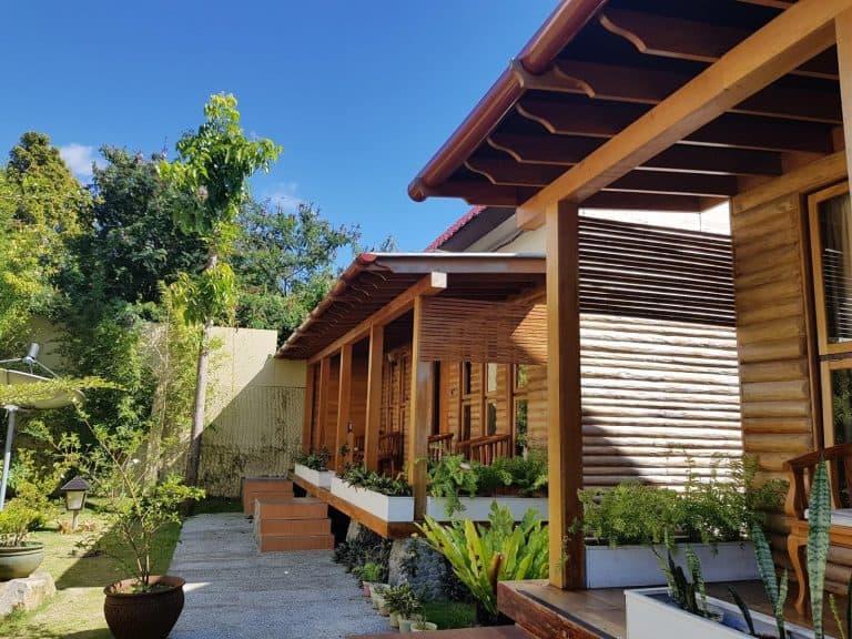 hotel Flores Ruteng bois