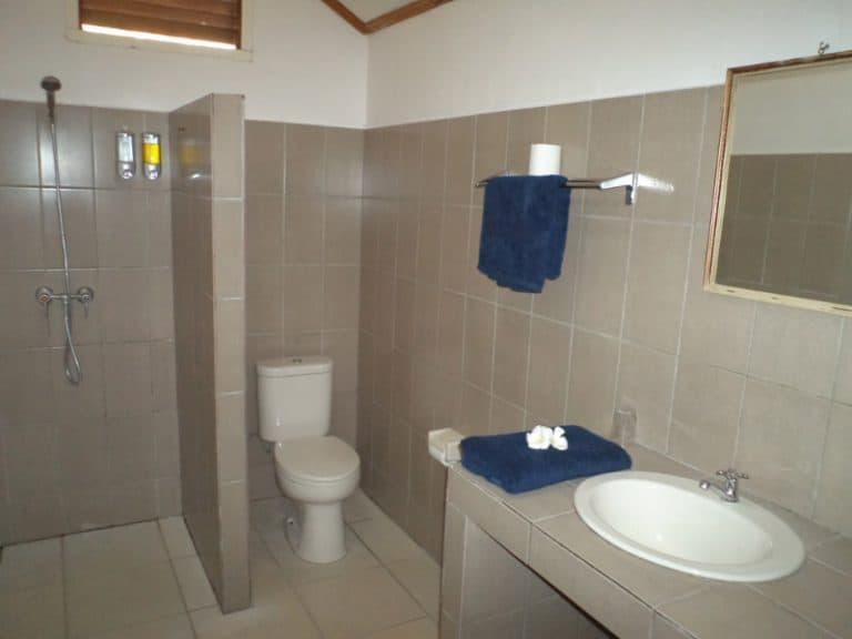 hotel flores salle de bain