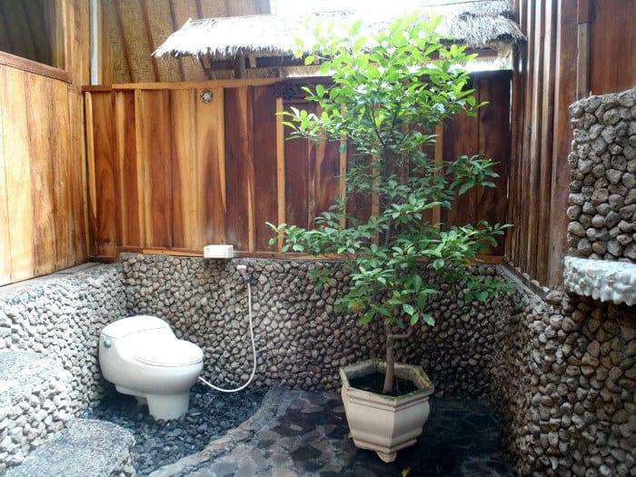 hotel gili air salle de bain exterieur