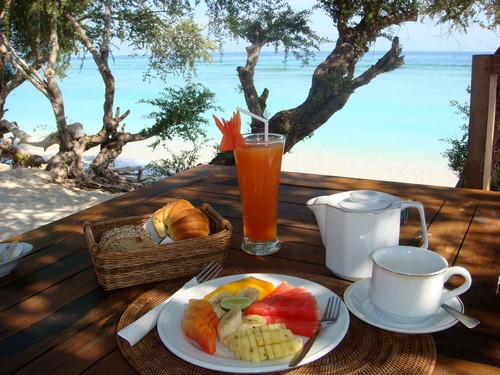 hotel gili indonésie petit déjeuner