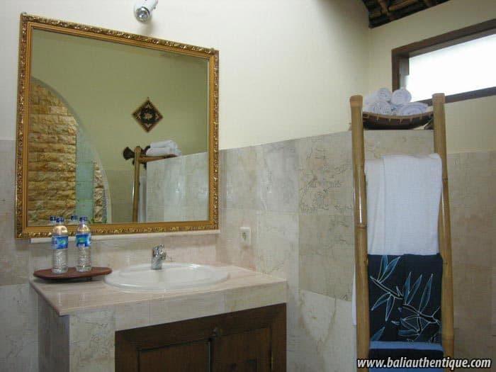 hotel gili indonésie salle de bain