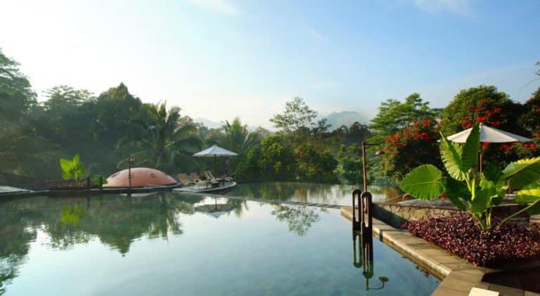 hotel java indonésie piscine extérieur