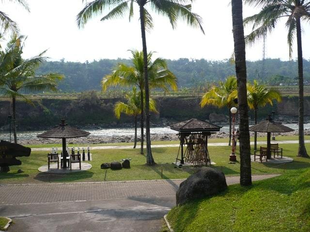 hotel Java Magelang vue rivière