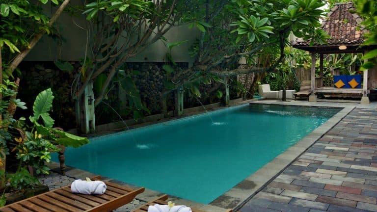 hotel java solo piscine
