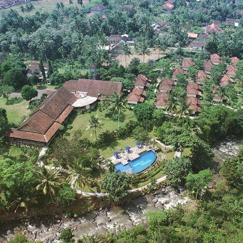 hotel kalibaru indonésie vue aérienne
