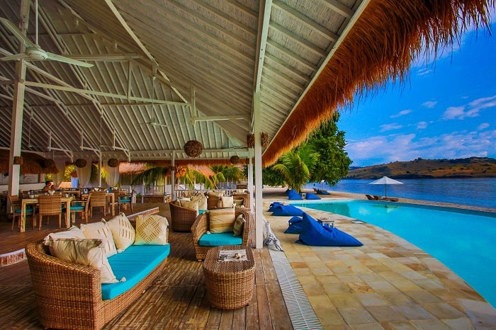 hotel komodo piscine à débordement
