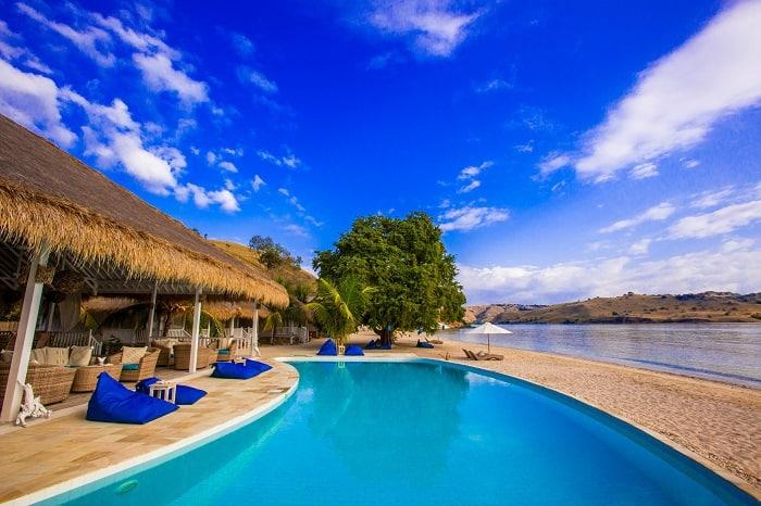 hotel komodo piscine relaxante
