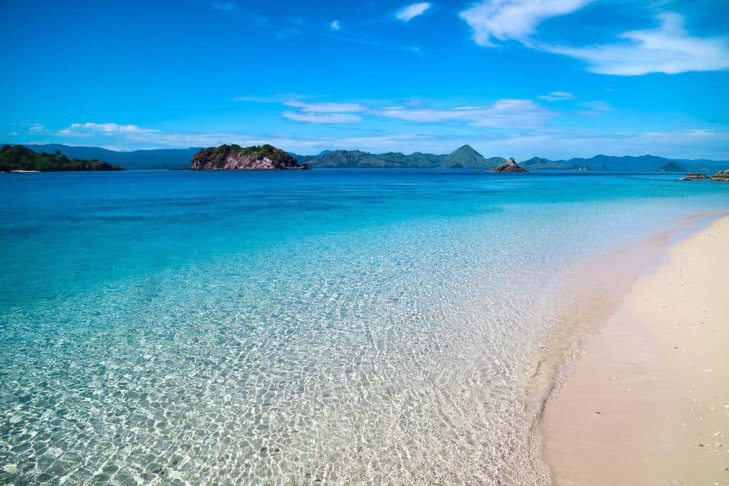 hotel komodo plage paradisiaque déserte