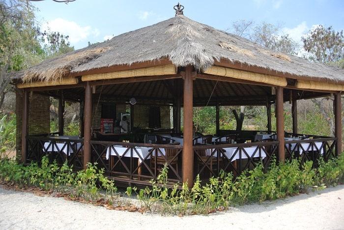 hotel komodo restaurant