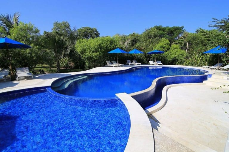 hotel labuan bajo flores piscine