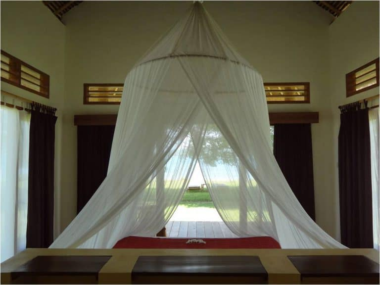 hotel lombok indonésie bungalow gili chambre