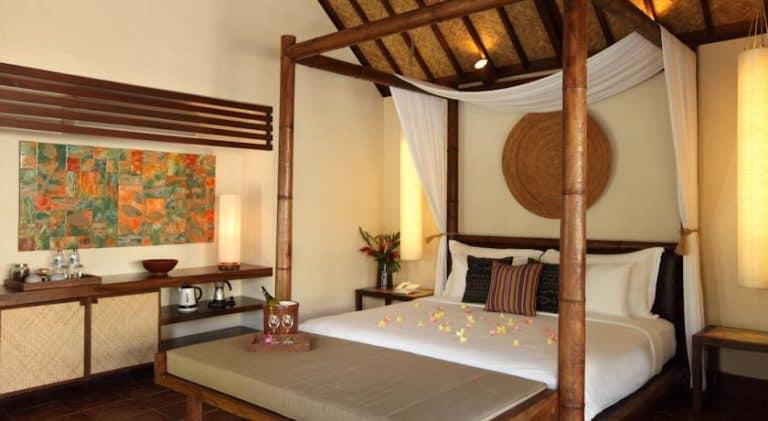 hotel lombok indonésie chambre typique
