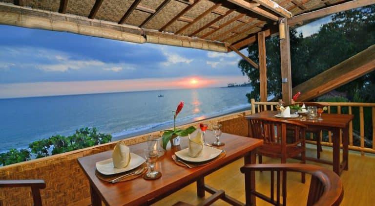 hotel lombok indonésie petit déjeuner vue mer